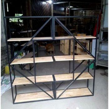 Kệ trang trí chữ K khung sắt mặt gỗ cao su / gỗ thông GHZ-437