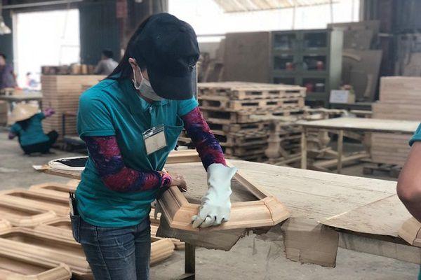 Năm 2018 là cột mốc thời gian quan trọng với ngành chế biến gỗ và xuất khẩu lâm sản bởi môi trường kinh doanh có nhiều thay đổi.