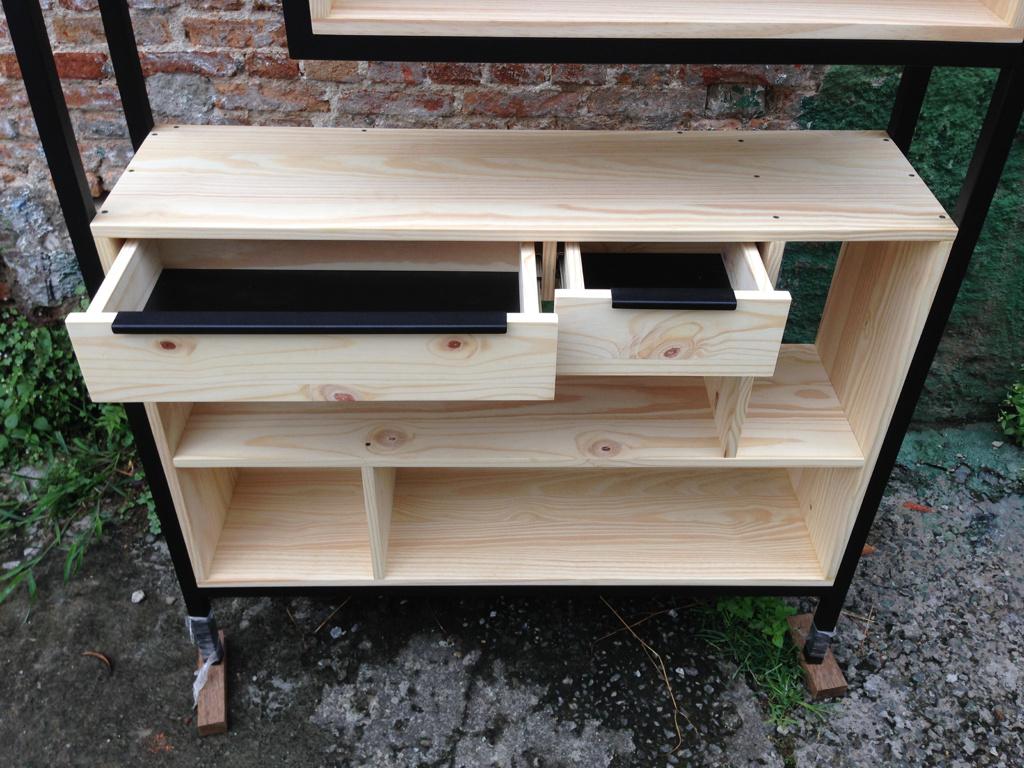 Kệ trang trí khung chân sắt mặt gỗ thông GHT-173 giá cực chuẩn