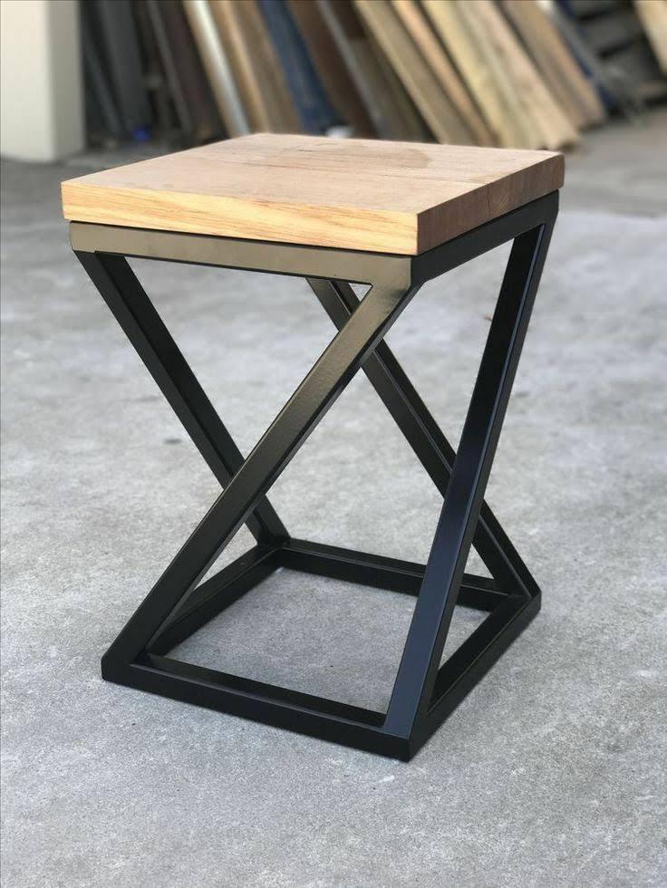 Ghế đẩu chân sắt mặt gỗ thông GHT-189