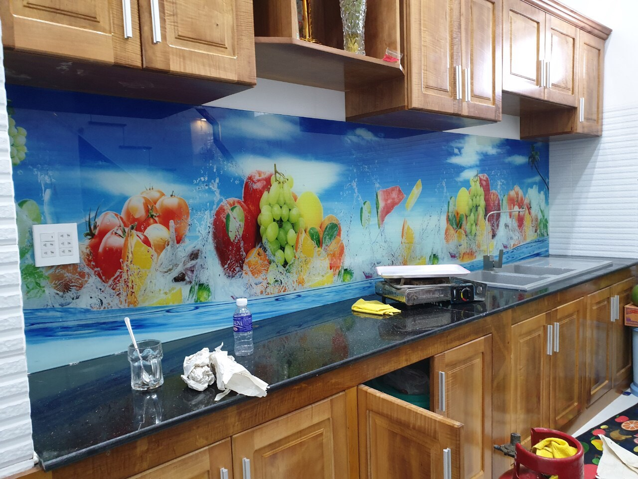 Kính ốp bếp in tranh 3D GHT-204
